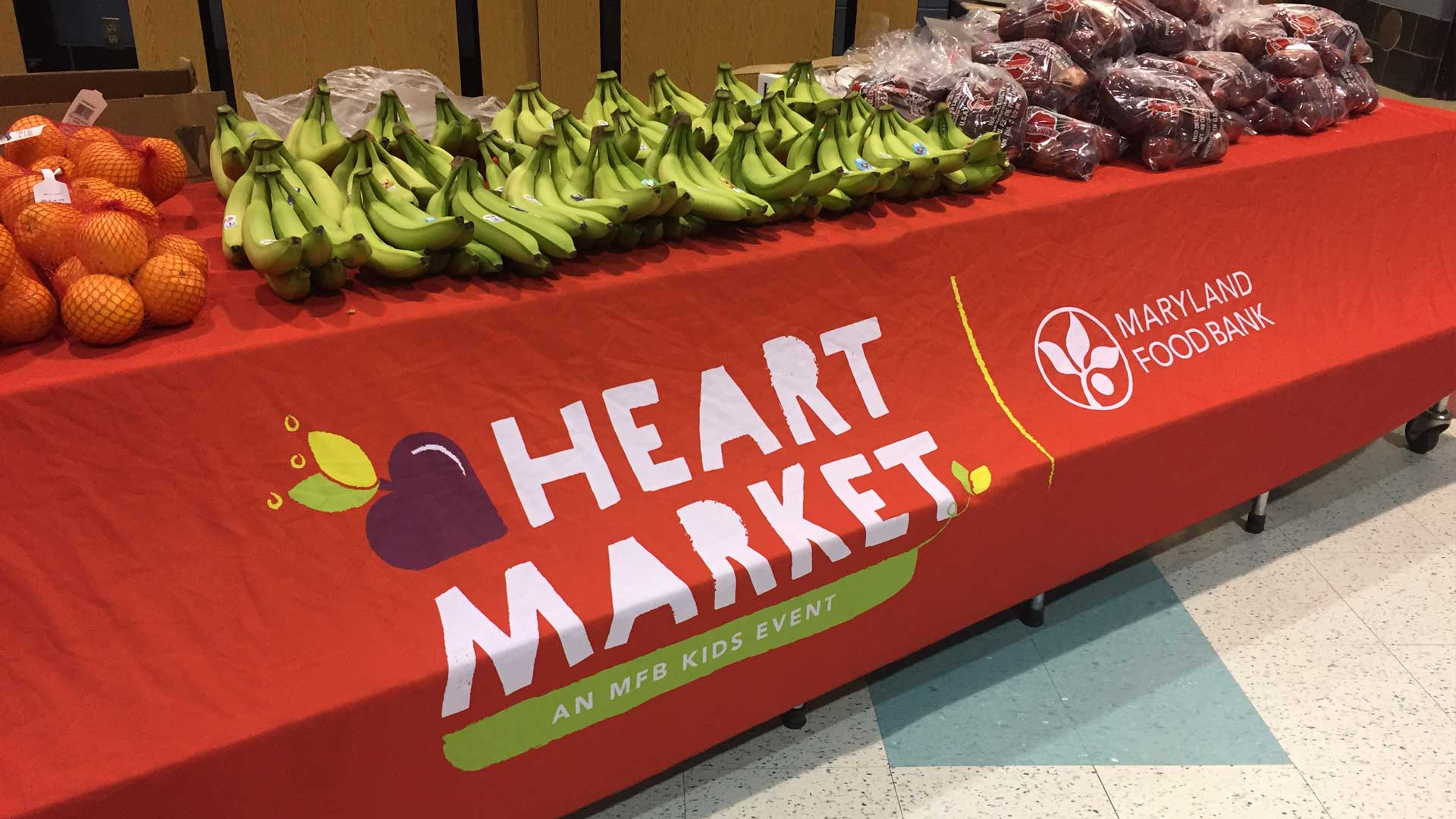HEART Market table with fruits